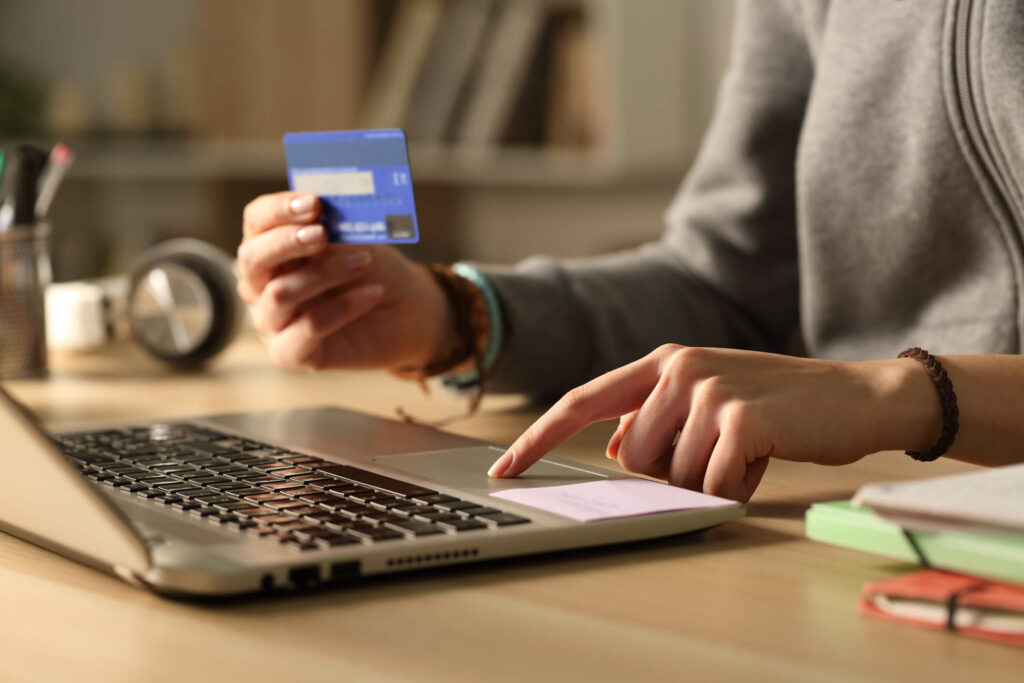 Annapolis tenant paying rent online